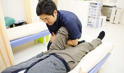 ひざの治療の様子